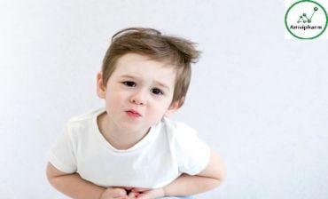 Lý do nào dẫn đến tình trạng bị táo bón ở các bé?