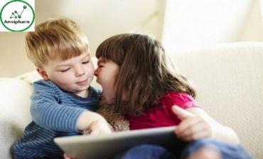 Trẻ mãi không ngoan bởi những hành động vô ý của cha mẹ