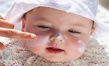 Các phương pháp chống nóng bé mùa hè giúp con luôn thoải mái